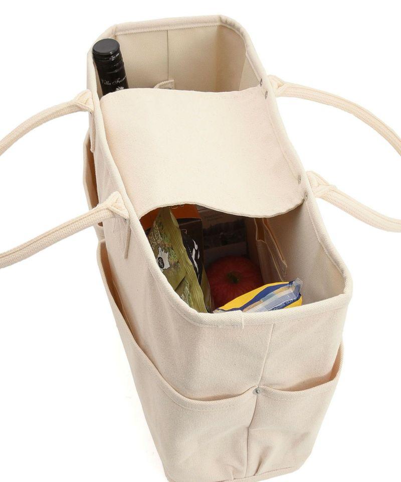 外側だけでなく内側にも用途に合わせて沢山のポケットが付いています。